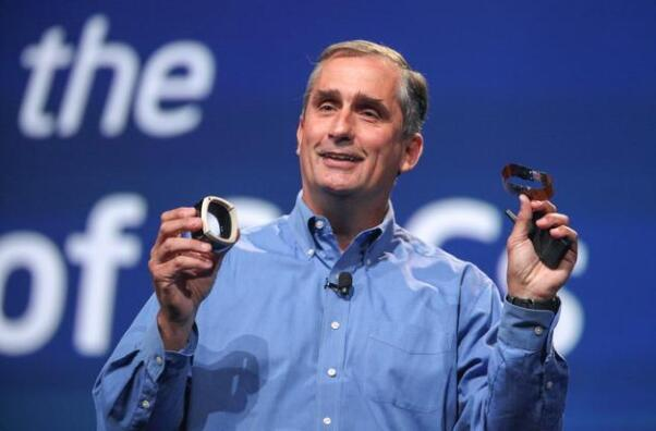 英特尔临时CEO:我们拥有足以达成全年营收展望的芯片供应